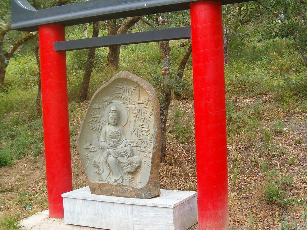 quinta dos loridos jardim buddha eden