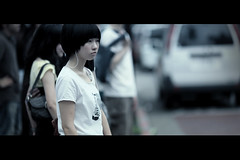 Give us a smile! (James Yeung) Tags: cute girl japan japanese pretty candid cinematic ef135mmf2l canon5dmarkii