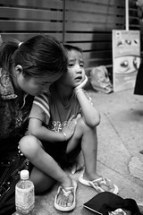 Mummy, when can I off the work......?? (van*yuen) Tags: bw hongkong strangers streetphotography sigma causewaybay dp2 citysnaps sigmadp2