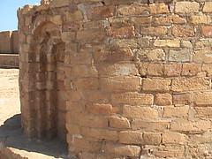 Zigurat Chogha Zanbil (Iran 2006) (Gustavo Thomas) Tags: architecture buildings arquitectura edificios iran zigurat irán choghazanbil elamites elamitearchitecture elamitas arquitecturaelamita