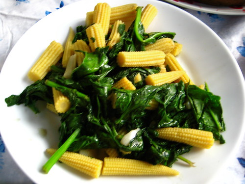 baby corn and spinach stir-fry
