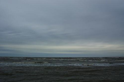 阴沉的渤海湾