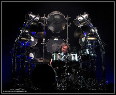 Vinny Appice of Heaven & Hell (t.klick) Tags: music canon germany deutschland drums concert drum live solo drumstick onstage musik konzert heavenhell karlsruhe blacksabbath heavenandhell inconcert g9 vinnyappice