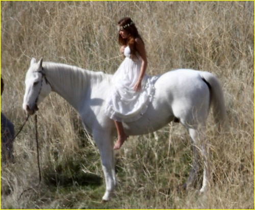 miley-cyrus-white-horse-photo-shoot-05