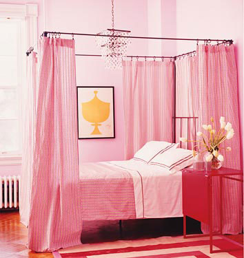 3269106721 05978c2062 o A few of my favorite pink rooms