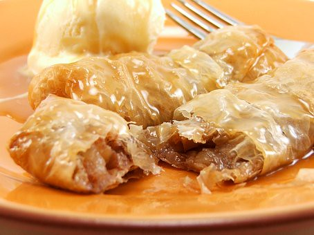 Apple Roll with Butterscotch Whiskey Sauce