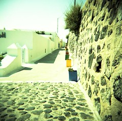 Walk in Firostefani (Roberto Messina photography) Tags: camera toy holga vivitar uws