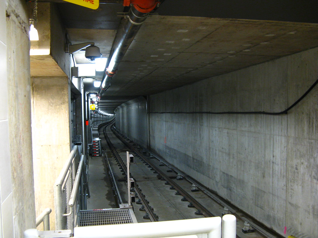 King Edward Station, Platform Level