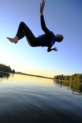 Free Fall (Erik Eckerstrm) Tags: fall water jump smooth levitation surface flip wetsuit levitate backflip