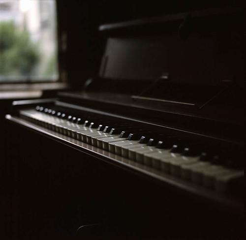 a reed organ