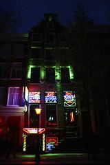 Sex Shop (·júbilo·haku·) Tags: red holland color sexy netherlands amsterdam sex rojo europa europe nederland thenetherlands sexo netherland holanda rua nl redlight paisesbajos northholland ruĝa prinsesirenestraat koloro nederlando eŭropo eropo redlighdistrict 1077amsterdam amsterdamo