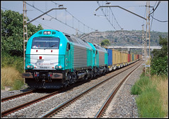 Teco en Vilaverd (Marc Lurigados) Tags: railroad espaa angel train tren spain europa euro tunis rail railway trains can cargo catalunya ecr teco ferrocarril locomotoras 335 ews mercancias vossloh abroigal vilaverd