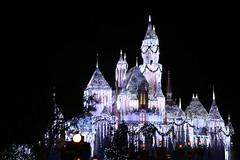 Sleeping Beauty's Castle (Mike E10) Tags: christmas disneyland anaheim sleepingbeautycastle
