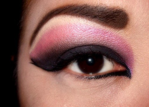 Purple Fairy Hello Kitty · Pink and Black eyeshadow design