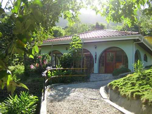 Eco friendly vacation villas at El Verde Misterioso