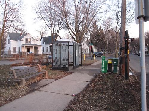 Minnehaha & 33rd Ave S Bus Stop