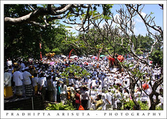 Melasti (juzz_arisuta) Tags: people bali beach canon temple ceremony culture hindu melis 50d petitenget melasti