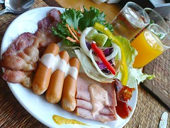 My Breakfast At Rayong Resort /  (AmpamukA) Tags: breakfast bacon salad sausage ham rayong        ampamuka
