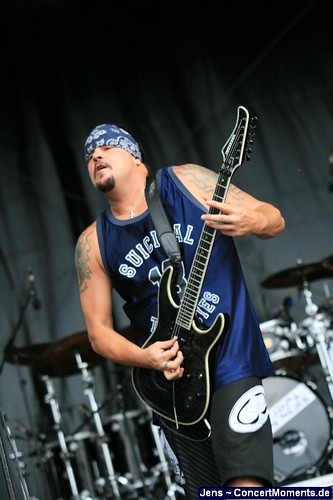 suicidal tendencies 037