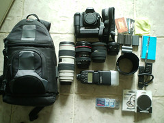 Whats In Your Bag? (Thorpeland) Tags: camera canon photographer sigma gear equipment l kit camerabag lenses lowpro 580exii