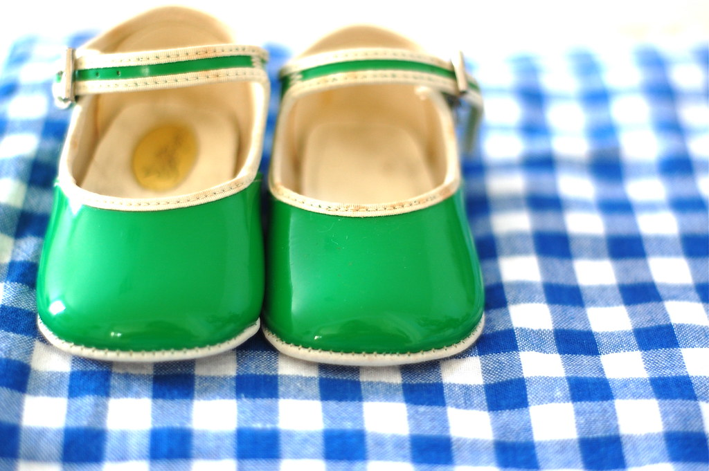 baby vintage shoes waiting for babyCakies
