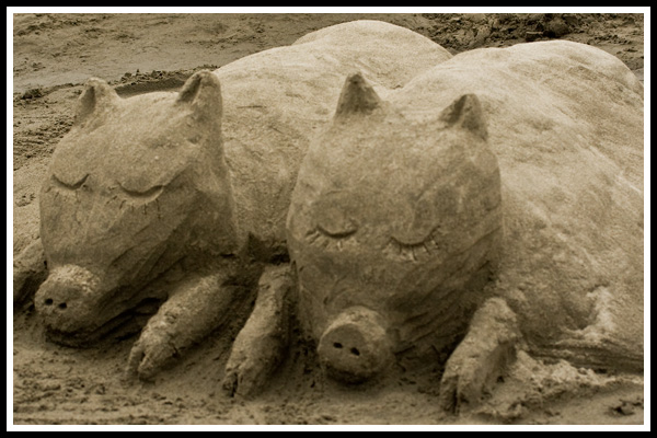 sand_castle_pigs_in_a_blanket