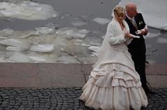Ice Wedding (Navin Bahl) Tags: world trip travel holiday color slr art st photography photo nikon pix photos russia pics moscow petersburg pic explore siberia trans siberian russian hochzeit transsiberian bolero braut brautkleid d40 bolerojäckchen