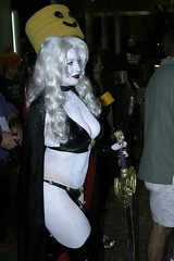 Lady Death - Dragoncon 2009- 152 (Hueyatl) Tags: atlanta lady canon ga georgia rebel xt death se costume dragon cosplay atl fantasy heroine superhero scifi cons southeast villain 2009 con dragoncon bellechere canonef24105mmf4lisusm dragoncon2009