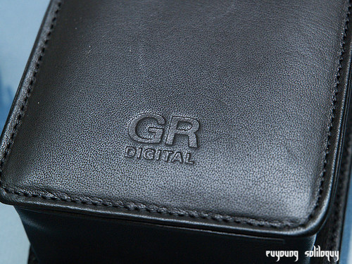 Ricoh_GRD3_Accessories_07 (by euyoung)