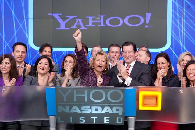 Yahoo! opens NASDAQ
