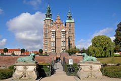 Denmark_0256 - Rosenborg Castle (archer10 (Dennis)) Tags: city trip travel museum copenhagen denmark nikon europe tour royal free tourist dennis jarvis residence northern crownjewels 2009 sites globus d300 northerneurope iamcanadian rosenborgcastle 18200vr worldtravels dennisjarvis archer10 dennisgjarvis