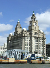 The Liver building, Liverpool (size4riggerboots) Tags: liverpool sailing tallships liverbuilding tspelican tallshipsrace2008