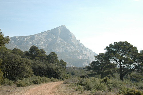 the path to mont st victoire