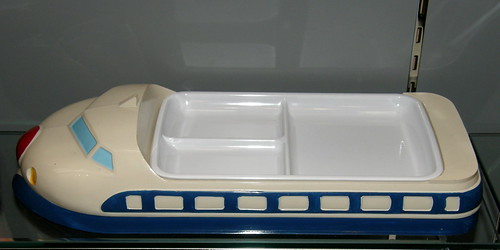 #1385 Bullet Train dish for kids' meals