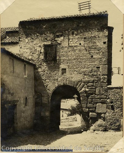 Puerta de Valmardón a principios del siglo XX. Fototeca de la Universidad de Sevilla. Foto M. Moreno