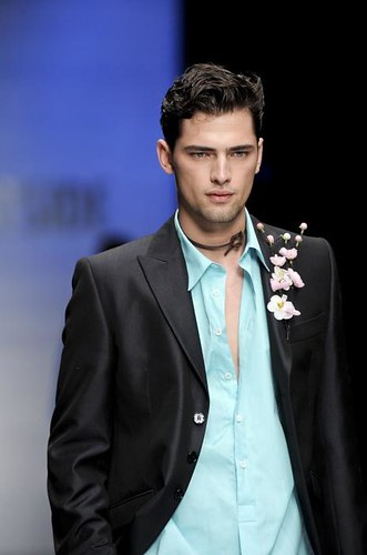 Sean O'pry3050_FW09_Milan_Carlo Pignatelli Outside