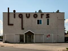 RIP - Spirit Bottle Shoppe (altfelix11) Tags: minnesota neonsign duluth liquorstore vintagesign grandavenue vintageneonsign spiritvalley