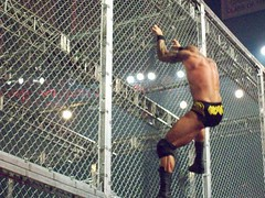 Randy Orton Climbs Hell In A Cell