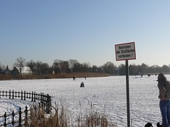Betreten der Eislflche verboten (Roland Ulmer) Tags: winter frost januar frozenlake