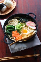 nabeyaki udon (hot pot udon) (bananagranola (busy)) Tags: winter food cooking japan japanese soup udon homemade onigiri meal noodles japanesefood nabeyaki riceball