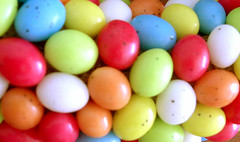 Easter Candy (Paas Snoep) (Made by BeaG) Tags: blue original red orange white green yellow creativity design colorful pretty artist candy belgium designer handmade unique oneofakind ooak kunst egg belgi wreath creation colourful krans unica walldecor eastereggs unicum eastercandy easterdecoration tabledecor beag doordecor paaseitjes easterdecorations easterfun easterwreath easterdecor kunstenares uniquedesign ontwerpster originaldesigner creativedesigner eastercrafting colorfuleastereggs candywreath paaseitjeskrans colourfuleastereggs easterhomedecor colourfuleaster colorfuleaster designedandmadebybeag uniekontwerp ontworpenengemaaktdoorbeag handgemaaktekrans gedecoreerdekrans kransmaken snoepkrans kransvansnoep designerwreath designerwreaths