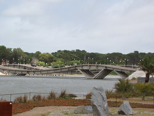 "Cool bridges in Punta del Este | <a href=""http://www.flickr.com/photos/59207482@N07/3315564708"">View at Flickr</a>"