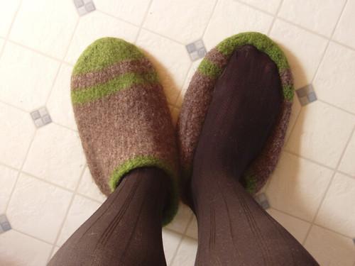 small foot, large-ish slipper