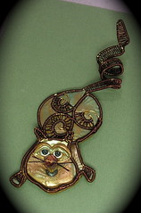 Polymer Clay & Colored Wire Curly Cat (auntgriz) Tags: brown cat feline handmade ooak handcrafted polymerclayjewelry coloredwire metallicpowder knightworkstudio stampeddesigin