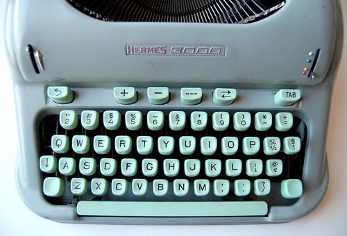 Hermes 3000 // Cursive Typewriter