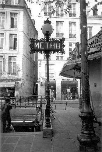 Metro sign, Paris