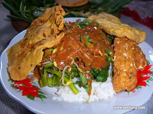 pecel madiun traditional food east java indonesia a tropical