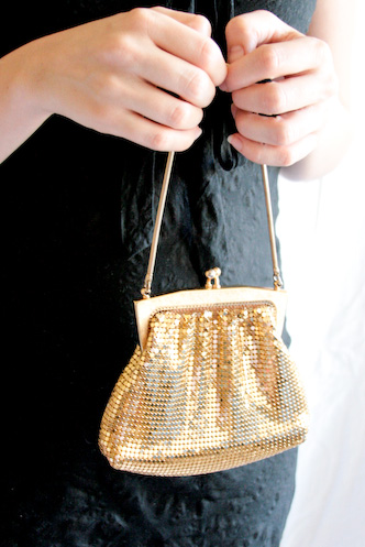 gold glow mesh purse - 4