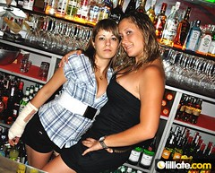 Fotos cool (Sin Amigos) Tags: girls smile night fun fiesta flash cerveza girona cocktail birra gerona cubata tilllatecom cocktel tilllate tillate tillatecom