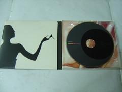 原裝絕版 1996年 12月18日 中森明菜 NAKAMORI AKINA VAMP  CD 原價  1500YEN 中古品 2